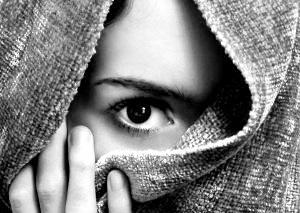 ۵ موقعیت اجتماعی که افراد درونگرا قادر به مدیریت آنها نیستند