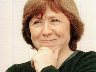 نوبل ادبیات ۲۰۱۵ در دستان سوتلانا الکسیویچ