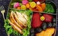 عواقب پشت میزنشینی و اهمیت تغذیه مناسب در محیط کار