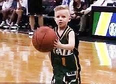 پسر ۵ ساله مبتلا به سرطان در NBA بازی کرد