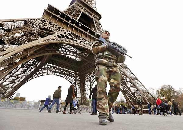 تظاهرات اعتراضی در فرانسه ایفل را به تعطیلی کشاند