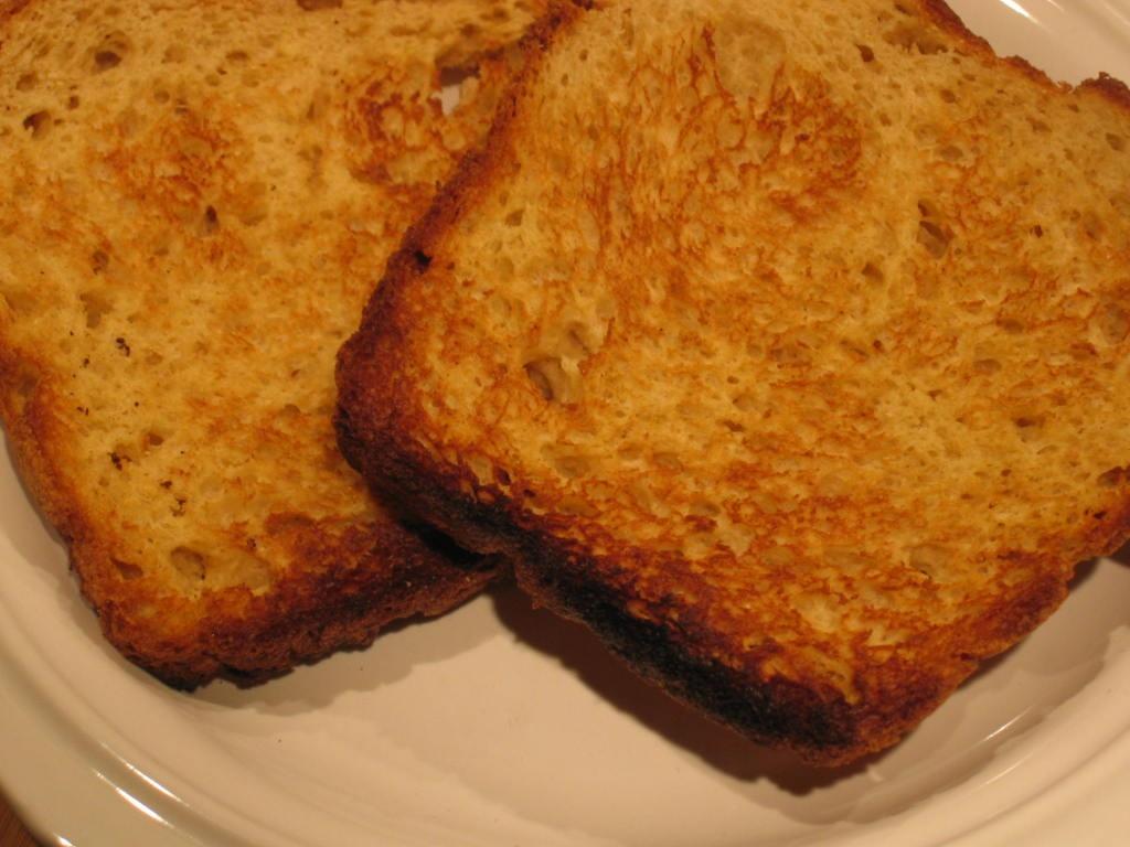 آیا خوردن نان تست سرطانزا است؟