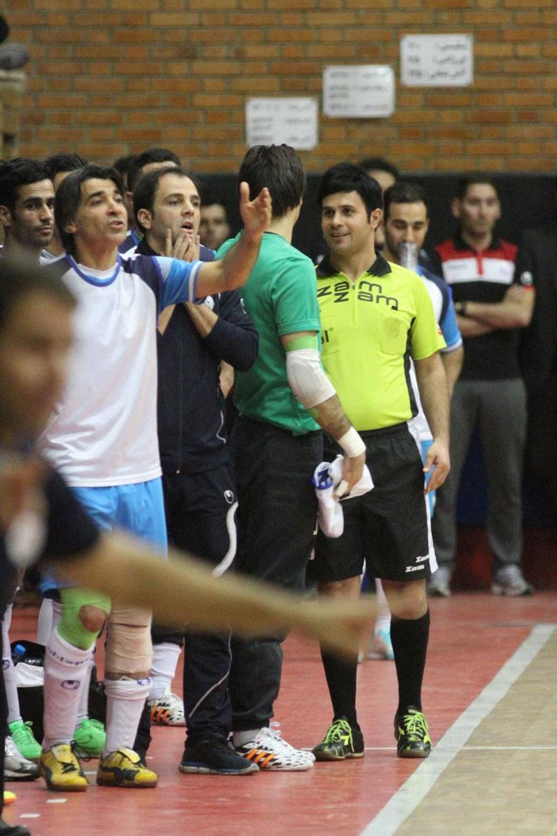 چند نما از دیدار تیمهای فوتسال میثاق تهران و تاسیسات دریایی تهران