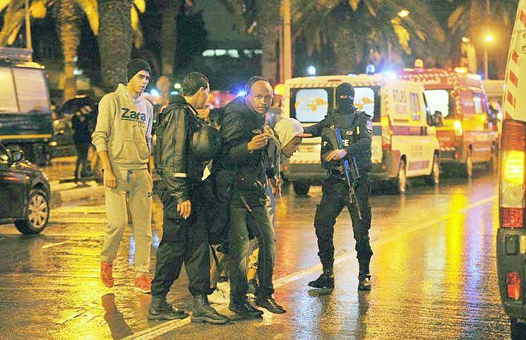 اعلام حالت فوقالعاده در تونس در پی انفجار اتوبوس نیروهای گارد ریاست جمهوری