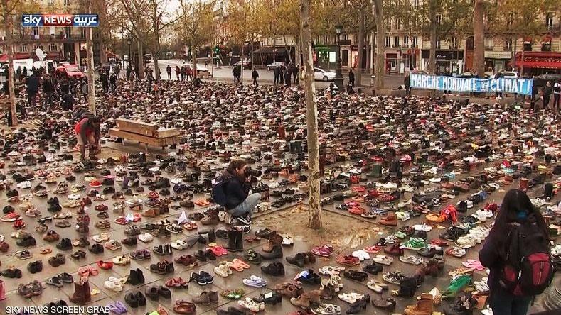 اعتراض به سبک پاریسی ا کفش ها به جای آدم ها