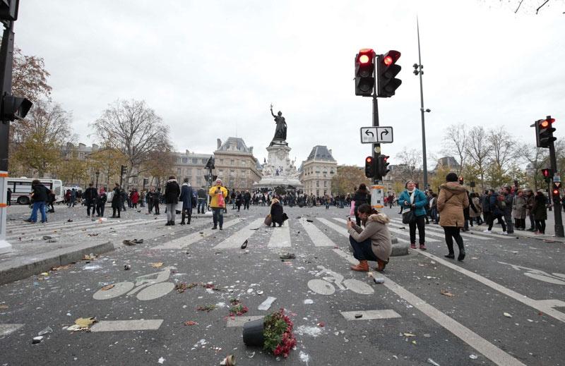 جدال با پلیس در خیابانهای پاریس   ۸ تصویر از معترضان به اجلاس کاپ ۲۱