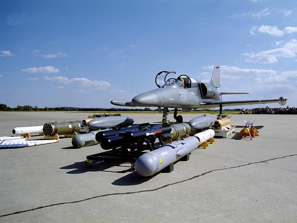AIR_L-۱۵۹A_ALCA_Armament