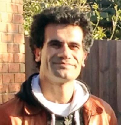 فاضل مهاجر جوان ایرانی
