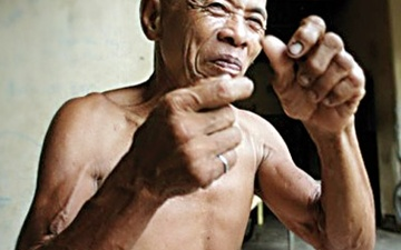 دهکدهای با زبان اشاره