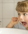 چطور و چرا باید نخ دندان کشید؟