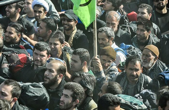 ازدحام جمعیت در مرز مهران