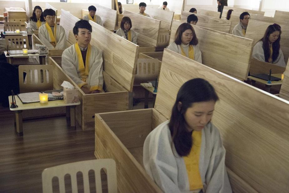 درمان عجیب افسردگی در کرهجنوبی؛ خودت را دفن کن
