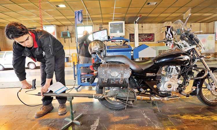 جولان موتورسیکلتهای آلاینده در معابر پایتخت