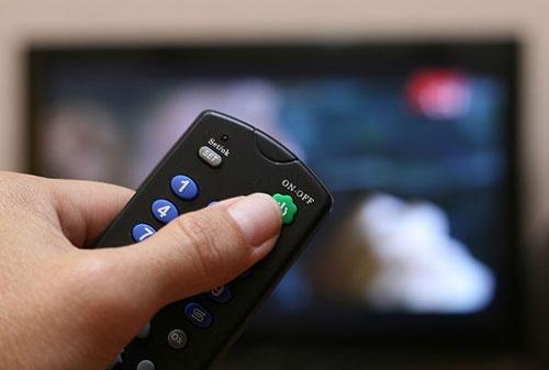 رابطه تماشای تلویزیون و عملکرد شناختی | زیاد تماشا نکنید