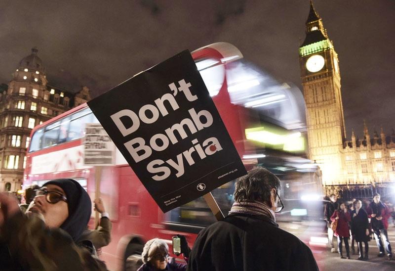 پارلمان بریتانیا به طرح کامرون برای حمله هوایی به داعش در سوریه رای داد