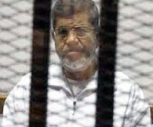 محاکمه مرسی و دهها عضو اخوان المسلمین مصر