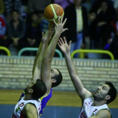پتروشیمی با شکست مهرام به قهرمانی لیگ بسکتبال امیدوارتر شد
