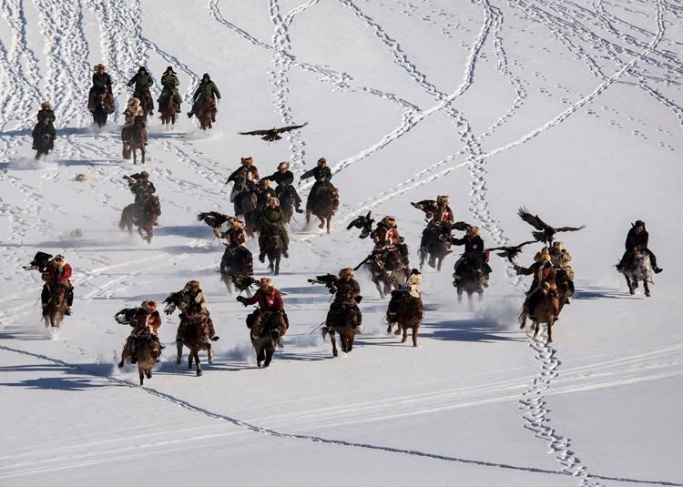 فستیوال شکار عقاب قزاقها