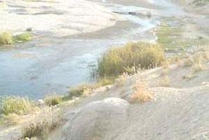 رودخانه آب روان