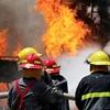 حادثهای که به خیر گذشت؛ نجات ۵۰ تن از میان شعلههای آتش