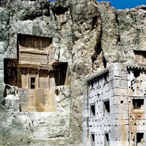 «کعبه زرتشت» یکی از بناهای شگفتانگیز این سرزمین