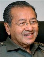 ماهاتیر محمد: خبر فساد مالزی در جهان پیچیده است؛ نجیب کنارهگیری کند