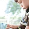 آیا استفاده از لپتاپ یا تبلت برای ستون فقرات فرزندم بد است؟