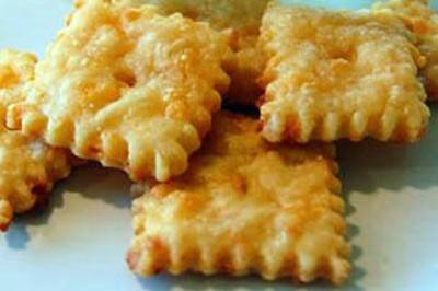 کراکر پنیر چدار