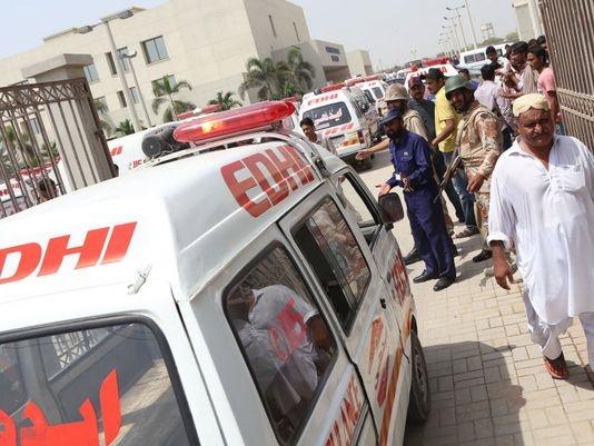 حمله تروریستی به اتوبوسی در کراچی ۴۱ کشته برجاگذاشت