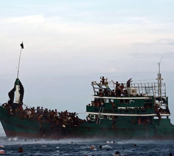 تایلند دوباره کشتی پناهجویان را به دریا برگرداند