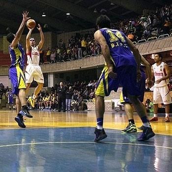 مهرام حریف داشنگاه آزاد در فینال لیگ حرفهای بسکتبال شد