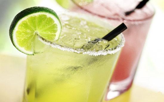 آشنایی با نوشیدنیهای خنک و بهاری