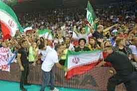 ۱۰ هزار ایرانی به همراه ملی پوشان والیبال برابر آمریکا