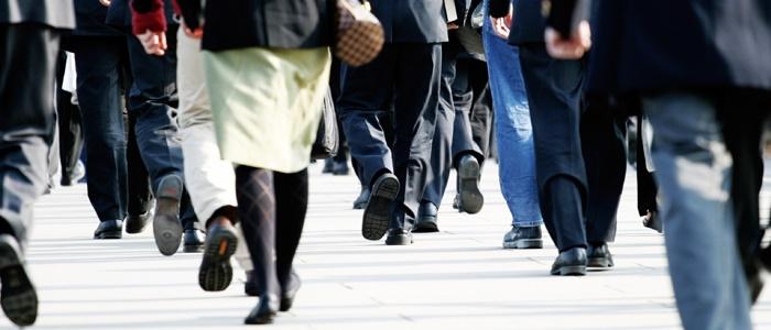 ۲ دقیقه راه رفتن در هر ساعت اثرات بد نشستن را خنثی میکند