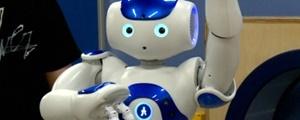 روباتی برای کاهش درد در کودکان