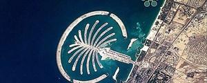 بنای زمین تنیسی در زیر دریا