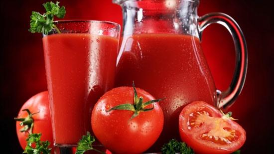 آشنایی با خواص معجزه آسای آب گوجه فرنگی