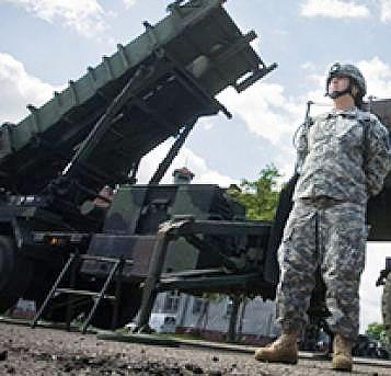 مذاکرات ورشو و واشنگتن برای استقرار انبار تسلیحات آمریکا در لهستان