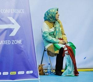 زنانی که والیبال ایران و آمریکا را در استادیوم دیدند