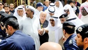 آمادهباش امنیتی درکویت، تعطیلی مساجد در تونس