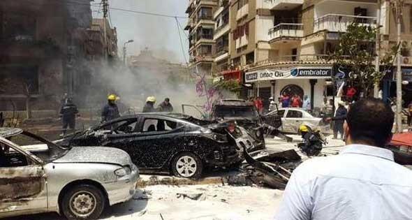 زخمی شدن دادستان کل مصر بر اثر انفجار بمب