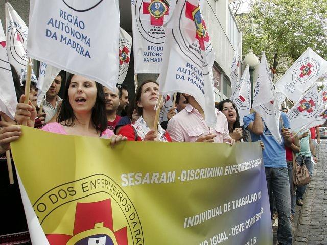 پرستاران پرتغالی بر سر دستمزد و ساعات کاری اعتصاب میکنند