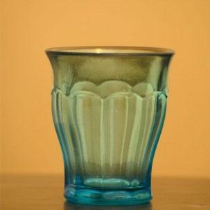لیوان آبی