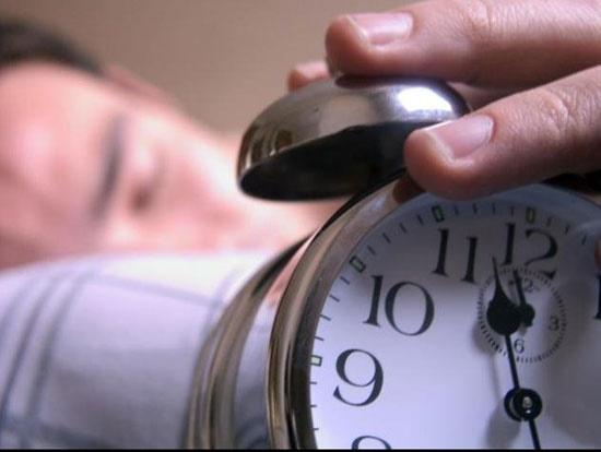 مصرف این مواد غذایی در ماه رمضان باعث اختلال خواب میشود
