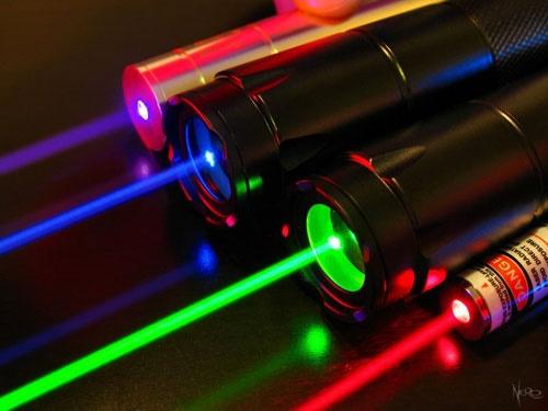 شلیک قدرتمندترین لیزر جهان در ژاپن - همشهری آنلاین