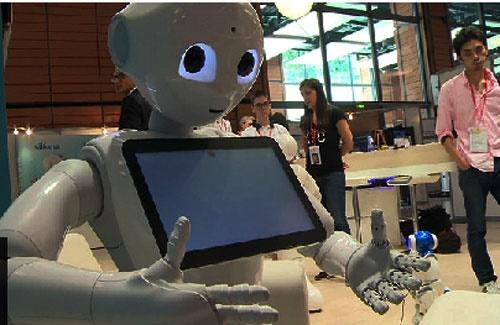 ربات با احساس