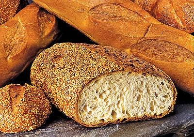 آیا نانهای صنعتی جوش شیرین و جوهر قند دارند؟