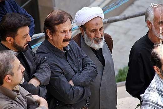تصاویر حضور مجید مجیدی در مراسم تشییع شهدای غواص در حوره هنری