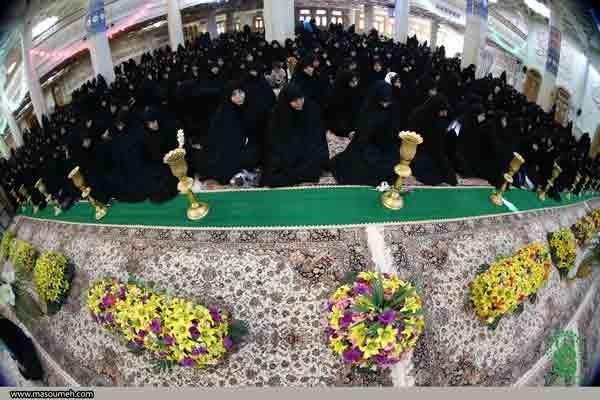 تصاویر آئین افتتاح جشنهای دهه کرامت در حرم حضرت معصومه (س)