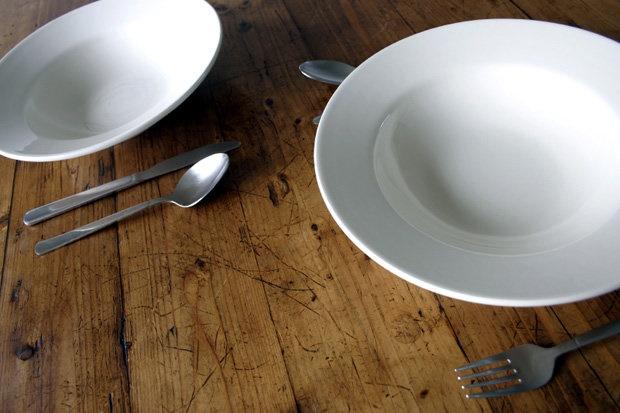 پرهیز کلی از غذا خوردن برای کاهش وزن درست است؟
